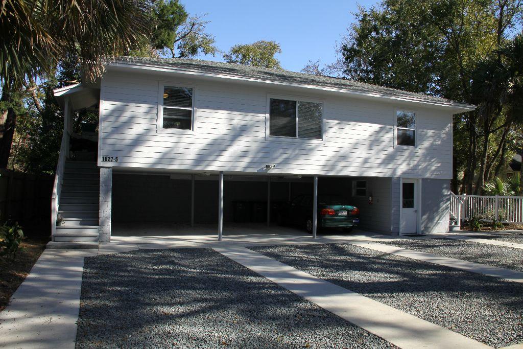 26 Larue Street garage apartments