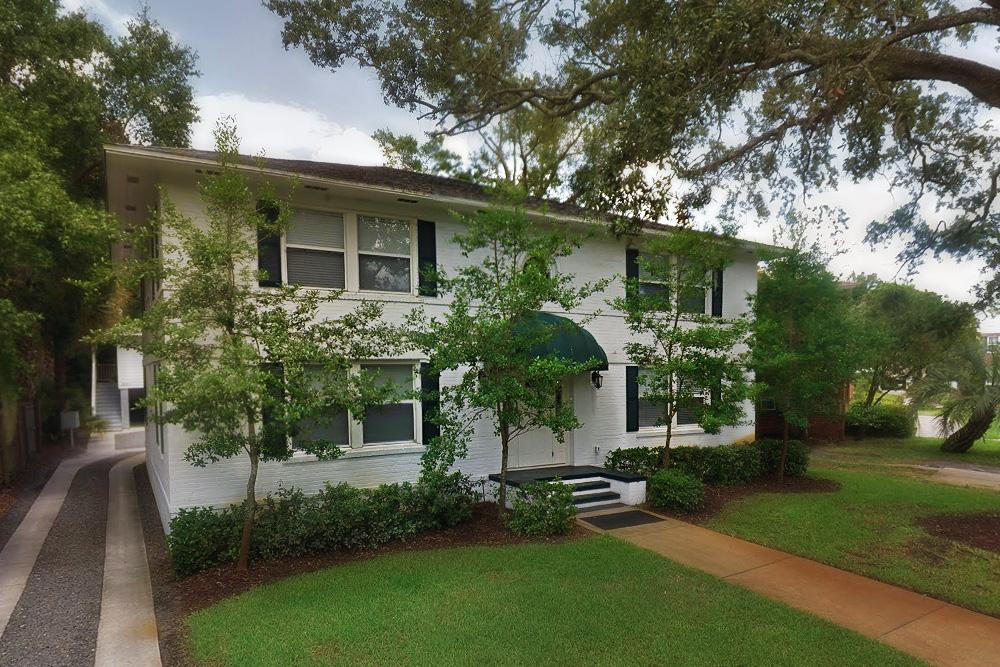 26 Larue Street apartments- side driveway